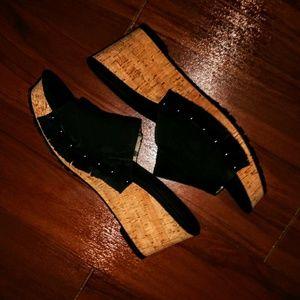 EUC Ellen Tracy 'Jewel' Slide Sandals